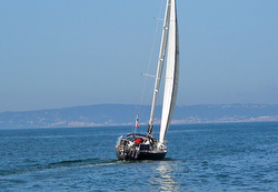 J/36 Jazz sailing offshore