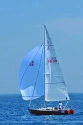 J/29 sailing Bayview Mackinac race