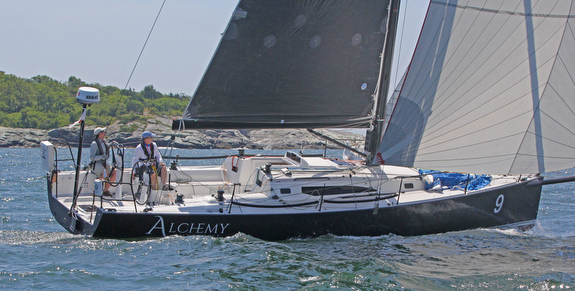 J/121 sailing New England Solo-Twin Race