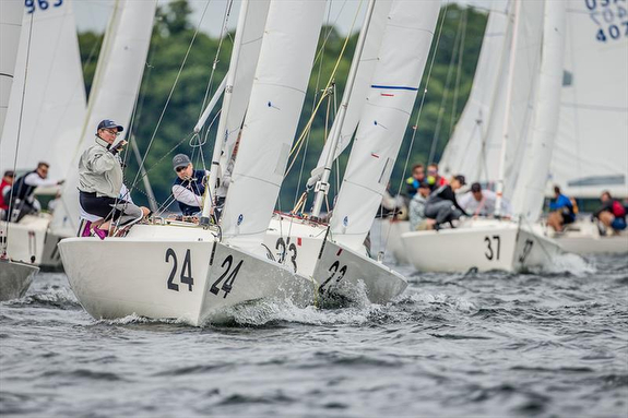 J/22s sailing Lake Minnetonka