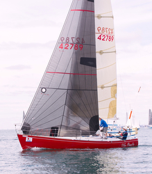 J/33 sailing Lake Ontario 300- Scotch Bonnet Race