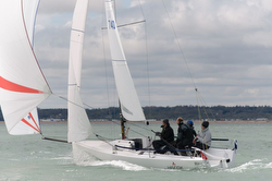 J/70 sailing reach at Warsash series