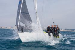 J/24 sailing Italian circuit