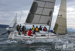 J/29 sailing Seattle fast!