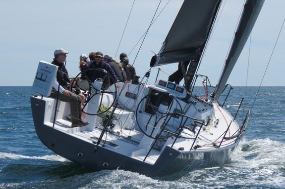 J/121 sailing upwind