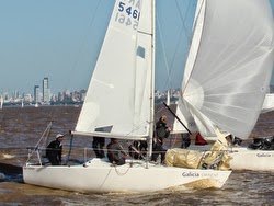 J/24 sailboats-sailing downwind in Argentina