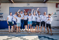 women's J/70 sailors