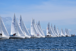J/22 Midwinters- sailing off start