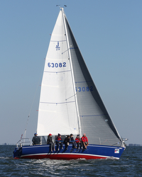 J/29 Wildkat sailing offshore