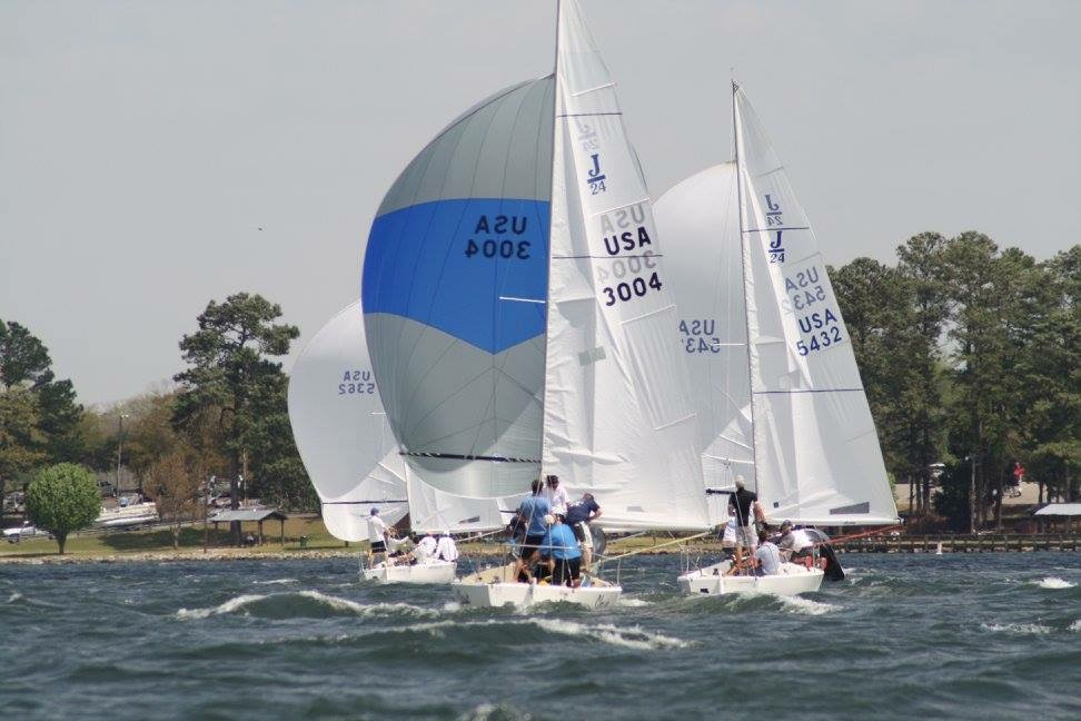 J/24s sailing Easter Regatta