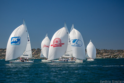 J/105s sailing downwind at Lipton Cup