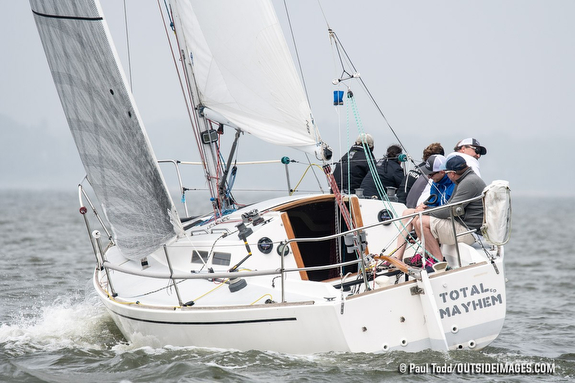 J/30 sailing on Chesapeake Bay