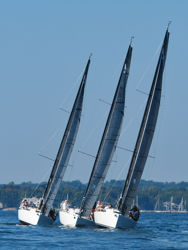 J/88s sailing Fall Series