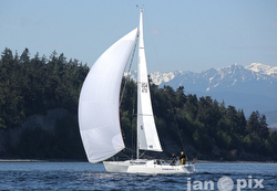 J/105 sailing Race to Straits- Seattle