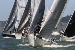 J/105s sailing class
