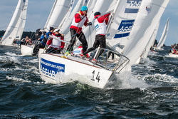 J/24s sailing at Worlds in Germany