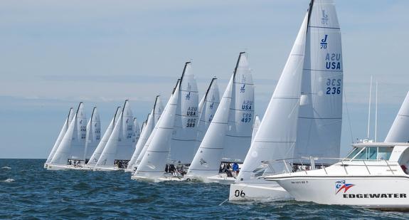 J/70s sailing off start line