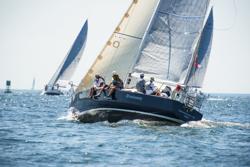 J/35 sailing Ida Lewis race