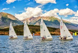 J/22 sailboats on Lake Dillon