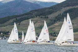 J/22s sailing Dillon Open