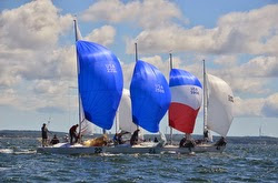 J/24s sailing Nationals on Buzzards Bay