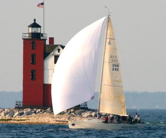J/109 sailing Chicago Mackinac Race
