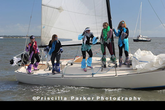 J/24 all-women's teamd at Witches Brew race