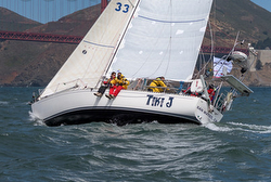 J/42 sailing Pacific Cup transpac race
