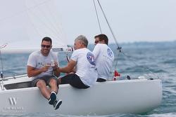 J/22 crew winning CanAm Challenge regatta