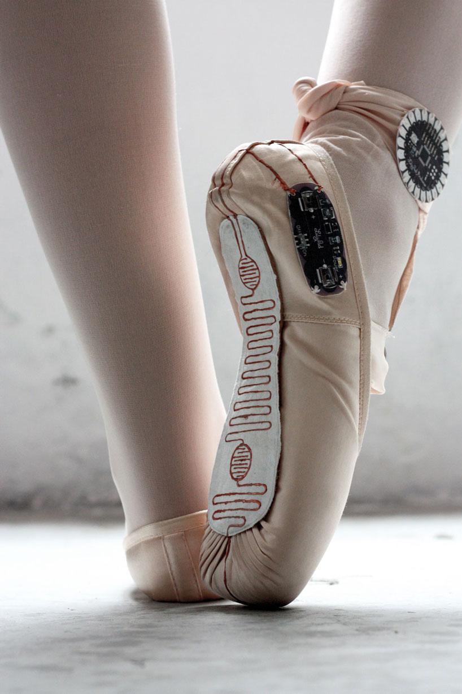 E-textile ballet shoes