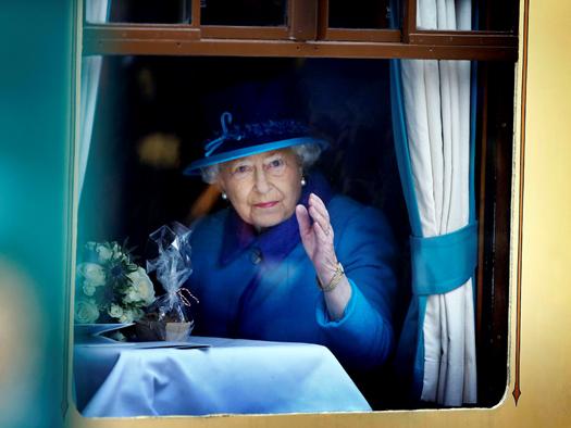 The Queen opens Borders Railway