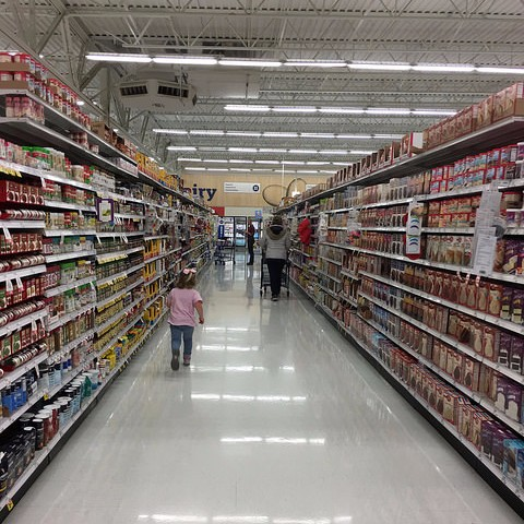 Overwhelmed by all the choices in an American supermarket!