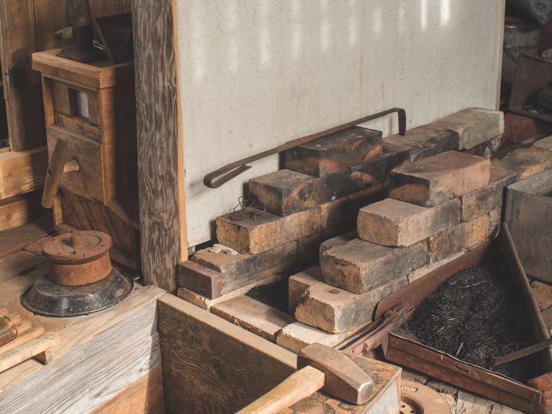 Installing the Higuchi (tuyere)