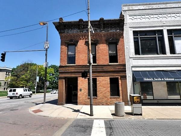 624 Adams St.