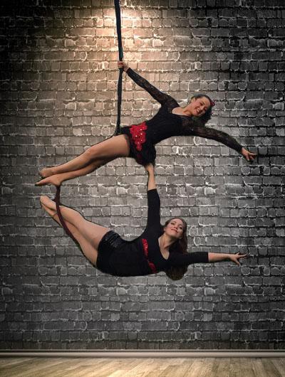 Vaudeville Circus, hoop