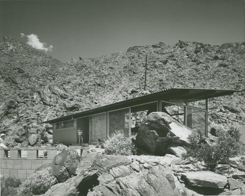 Photograph: Frey House 2 exterior
