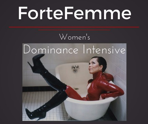 ForteFemme Women's Dominance Intensive. Midori in latex in tub