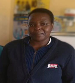 Zimbabwe: Helping HIV-positive postnatal mothers adhere to antiretroviral treatment {Photo: Amref Health Africa}
