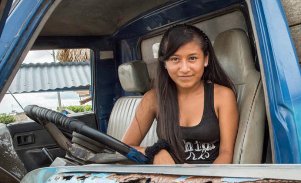 Empowering Teens Improve Health in Peru {Photo: Leslie Alsheimer}