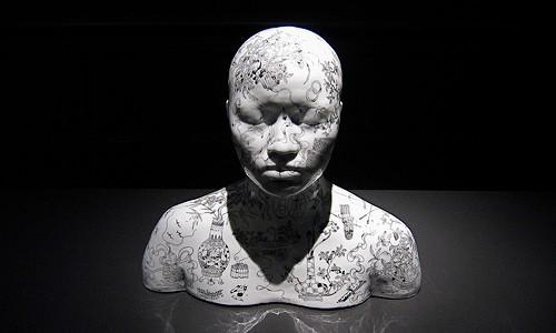 China, China – buste 72, Porcelaine en noir-et-blanc gravé, Ah Xian