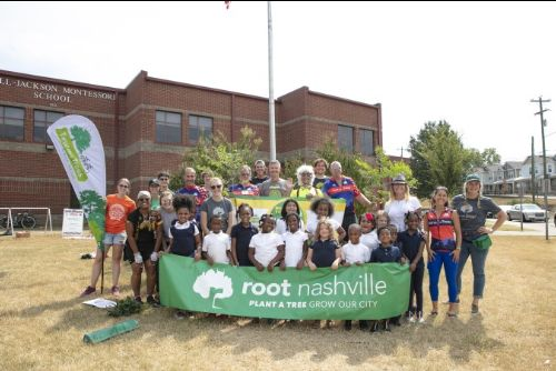 Students and staff of Hull-Jackson Montessori School with Tour des Trees riders and Root Nashville staff