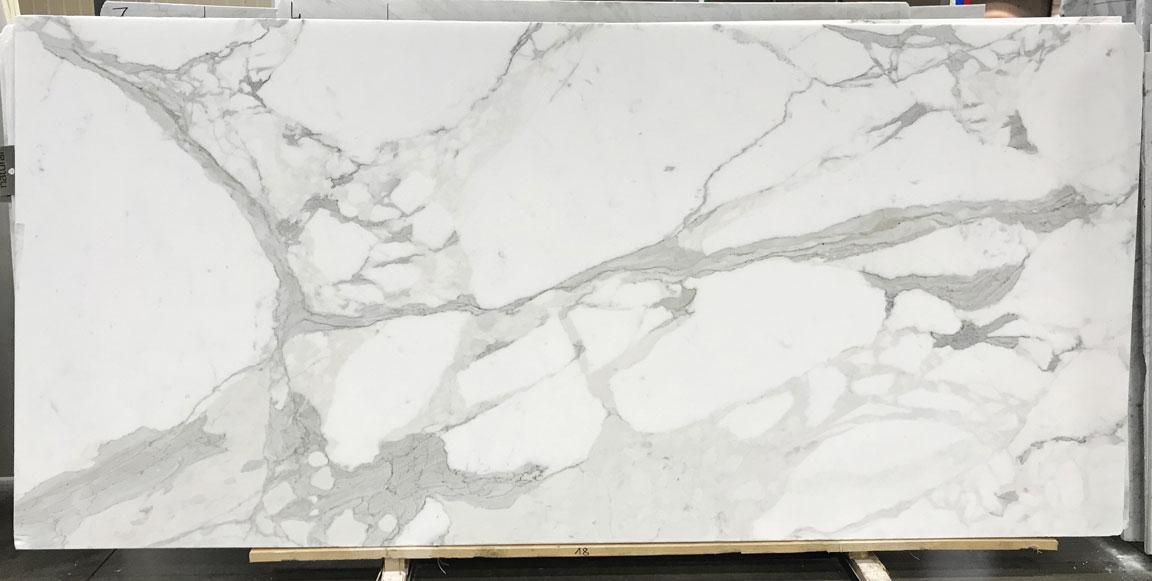 Calacatta Bettogli Extra Honed Marble