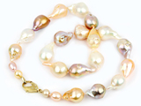 How to choose pearls. 5 Things to consider, from Calla's blog.