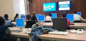 foto aula informàtica