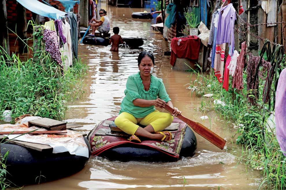 Villagers struggles with the flood