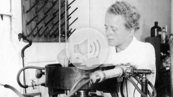 Chemist Ida Noddack is working at her laboratory. (DPA/PA)