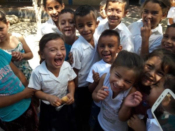 Students at the Mesas de Acicaya community