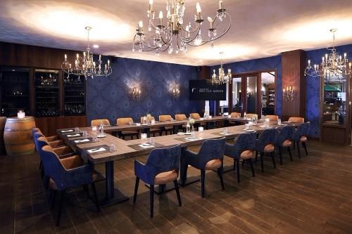 Vernieuwingsslag en flexwerkplekken in zalen van Van der Valk Hotel in Cuijk