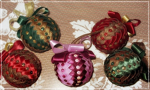 bauble decorating class