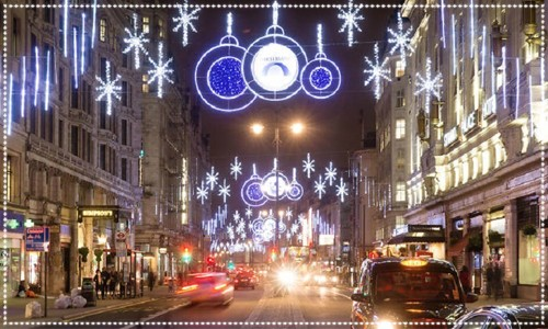 Night scene of the Strand Christmas lights